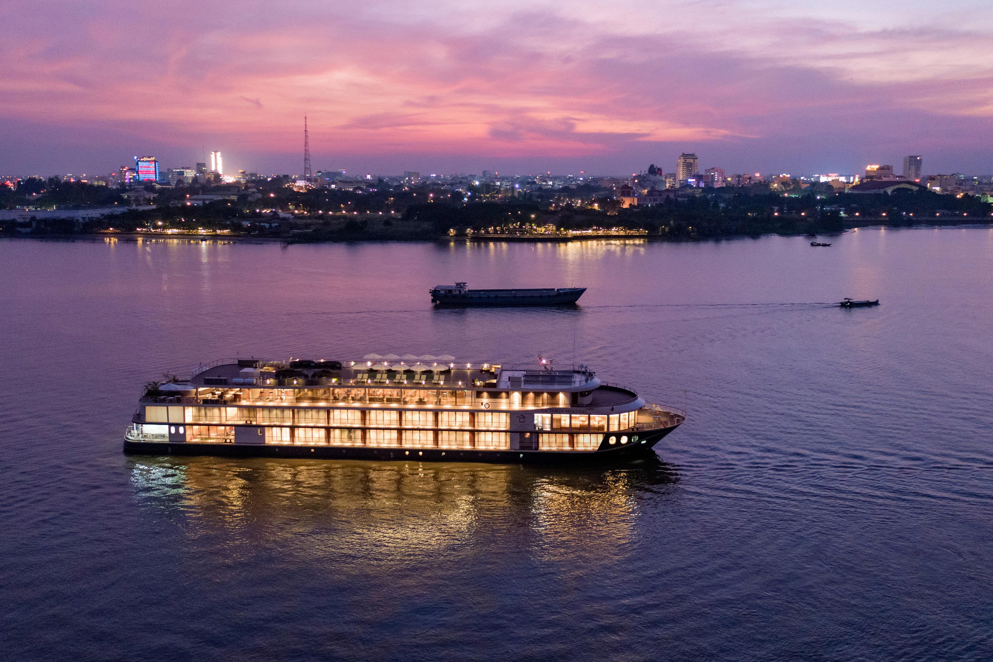 Tour du thuyền Victoria Mekong Cần Thơ Long Xuyên 2 ngày 1 đêm giá siêu rẻ