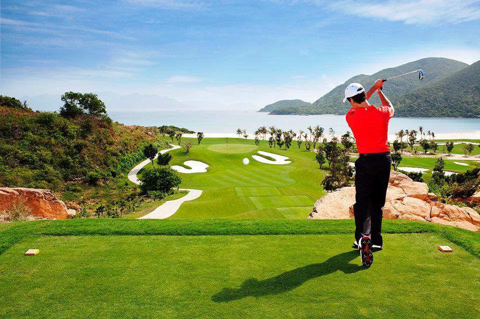 Gói nghỉ dưỡng và chơi golf đẳng cấp tại Vinpearl Phú Quốc hoặc Nha Trang