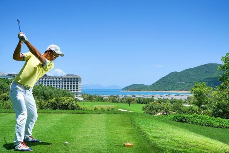 Combo chơi golf Phoenix Golf Resort 2 ngày 1 đêm