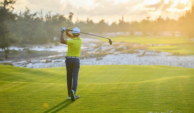 Combo khuyến mãi 1 vòng golf + 1 đêm Terracotta Resort & Spa 4* chỉ 2,3 triệu