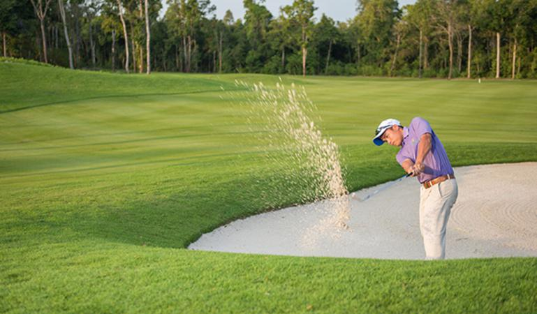 Khuyến mãi 3 vòng golf + 2 đêm Vinpearl Condotel Riverfront 5* chỉ 4,9 triệu