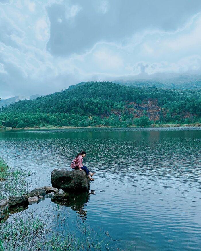 Khám phá những hồ nước ở miền Trung nổi tiếng thơ mộng, thanh bình, an yên
