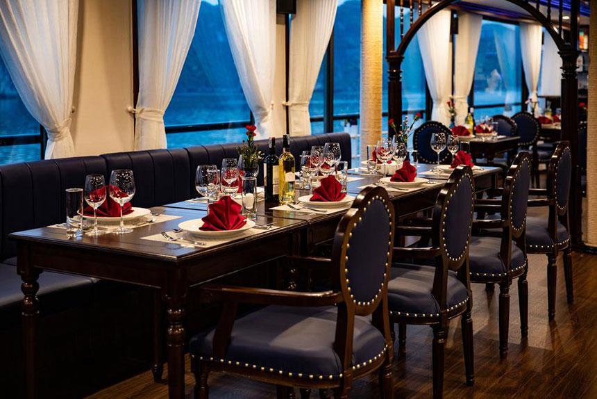 Tour 2N1Đ Du Thuyền Lacasta Regal Cruises 5*