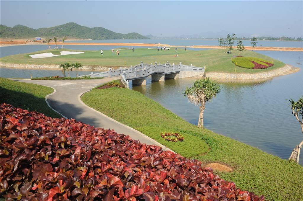Sân golf Ninh Bình - Royal Golf Club 18 hố - ngày thường