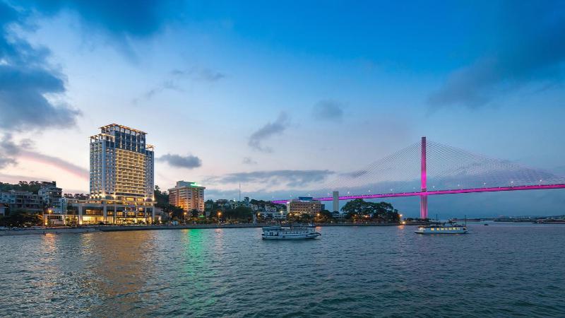 Khách sạn Wyndham Legend Hotel 5 sao cách ly tại Quảng Ninh