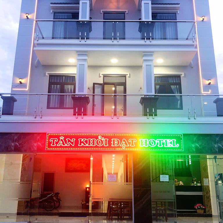Khách sạn Tân Khởi Đạt Hotel cách ly tại Bình Dương