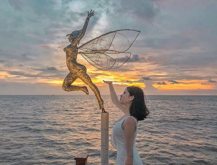 Combo Phú Quốc 3N2Đ – Sunset Sanato Beach Resort 4* + Vé Máy bay