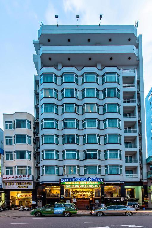 Combo Đà Nẵng 3N2Đ - Khách Sạn Golden Sea 3* + Vé Máy Bay