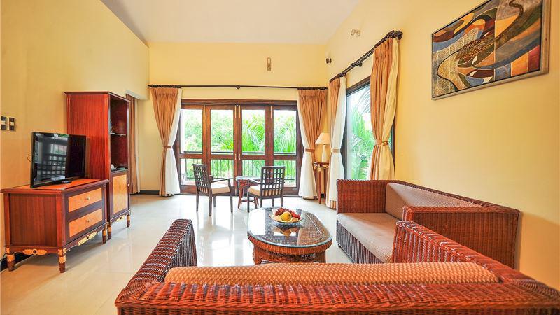 Khách sạn Diamond Bay Resort & Spa Nha Trang 5 sao cách ly trọn gói
